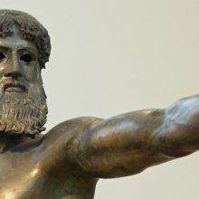 Zeus Bronze statue, olympics dedicated to Zeus while done naked