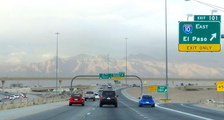 cars on I-10 outside of Tucson Arizona